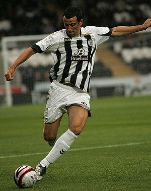 Jack Ross (footballer, born 1976) - Ross playing for St Mirren