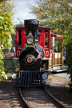 Jacksonville Zoo and Gardens - Small train at the zoo