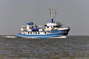 Jan Cux II (ship, 1978) 2012-by-RaBoe 04.jpg
