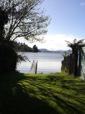 Lake Rotoiti (Bay of Plenty) - Image: Jetty on Lake Rotoiti