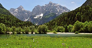 Kranjska Gora - Image: Julian Alps with Prisojnik and Razor