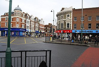 Tooting - Image: Junction of Mitcham Rd. and Tooting High St., Tooting. geograph.org.uk 1019797