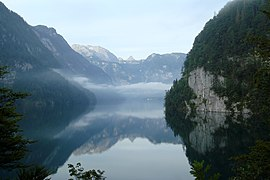Königssee mirror view from Malerwinkel.jpg