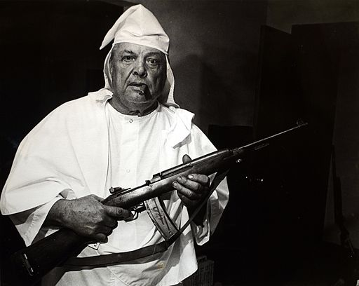 KKK GUN bw