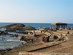 Devi Kanya Kumari - The confluence of the Arabian Sea, Bay of Bengal and the Indian Ocean at the temple