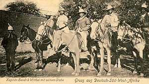 Hendrik Witbooi (Namaqua chief) - Nama – Chief Hendrik Witbooi (center) and his companions