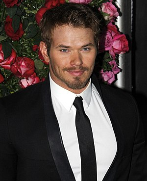 Kellan Lutz - Lutz in April 2012.