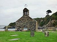 Kirchenruine St Brynach Cwm-yr-Eglwys 01.jpg