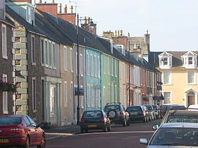 Kirkcudbright painted houses.jpg