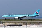 Korean Air, A330-300, HL8003 (18117176060).jpg