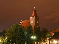 Kraków - Holy Cross Church by night 01.jpg