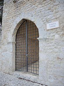 Bagno Piccolo L Aquila.L Aquila Wikipedia