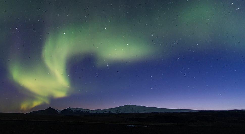 L'Eyjafjallajökull sous les aurores boréales