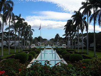 Laie Hawaii Temple - Image: LDS Laie Hawaii Temple opposite view