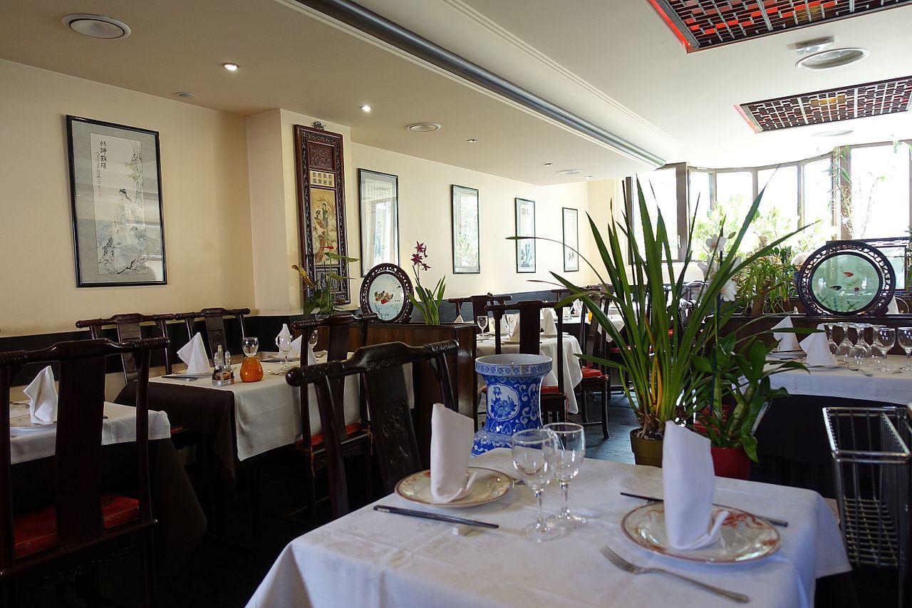 File la table de chine montparnasse paris for Table de chine