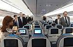 La presidenta Cristina Fernández recorre el nuevo Airbus A330-200 de Aerolíneas Argentinas, junto al titular de la compañía, Mariano Recalde 1.jpg