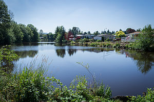Lake Leona in Johnson City, Oregon.jpg