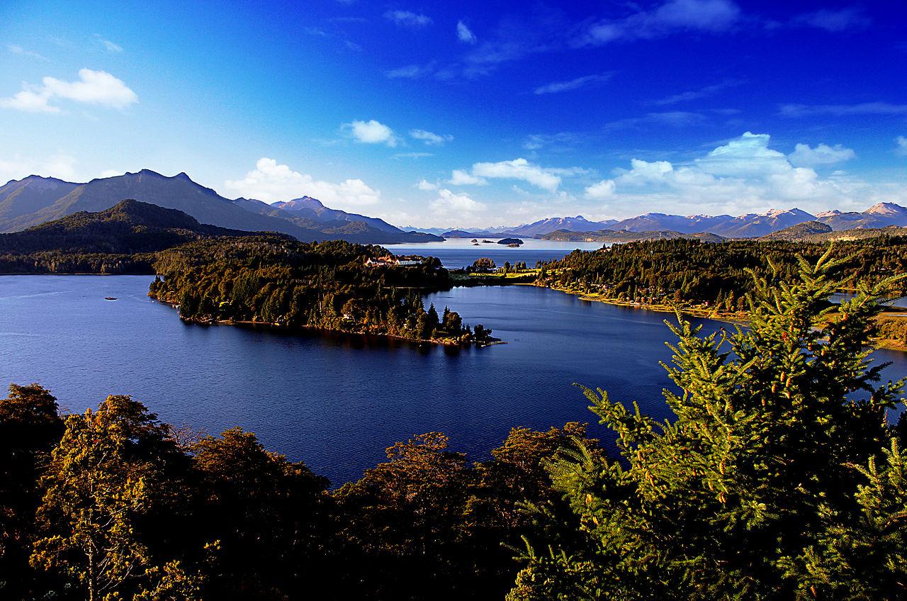 File:Lake Nahuel Huapi, Argentina.jpg - Wikimedia Commons