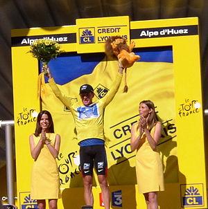 Italiano: Lance Armstrong, in maglia gialla di...