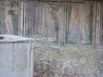 Largo di Torre Argentina Temple A fresco 3.jpg