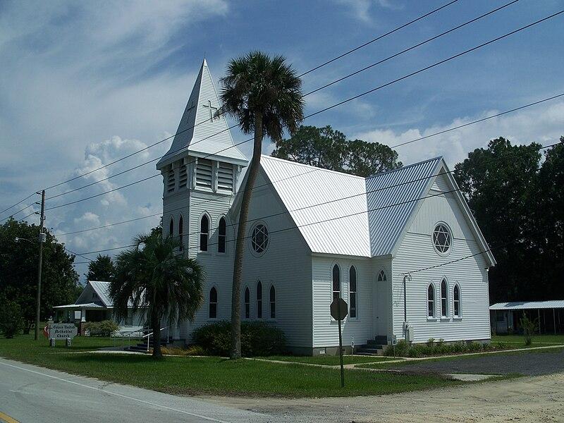File:Lawtey FL Grace MU Church03.jpg