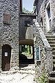 Le Caylar-Passage vers la tour.jpg