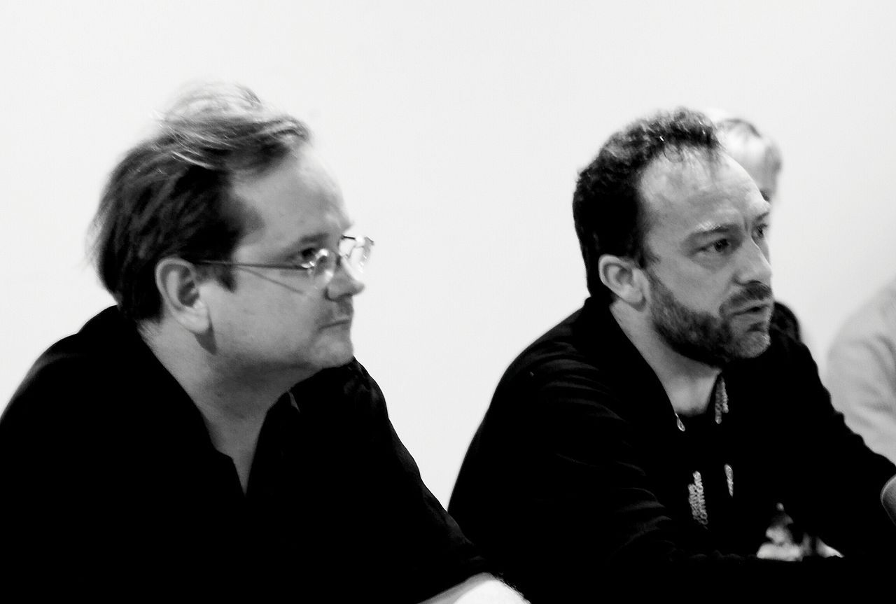 Lawrence Lessig (Creative Commons) Jimmy Wales (Wikipedia) (Fuente Wikipedia: CC BY 2.0)