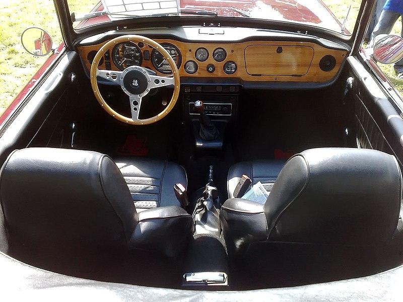 File:Leyland TR6 Cockpit.jpg