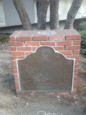 Slot machine - Plaque marking the location of Charles Fey's San Francisco workshop, where he invented the three-reel slot machine. The location is a California Historical Landmark.
