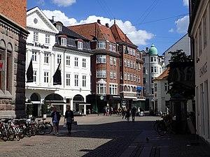 Midtbyen, Aarhus - Image: Lille Torv (maj) 01