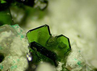 Lindgrenite copper molybdate mineral