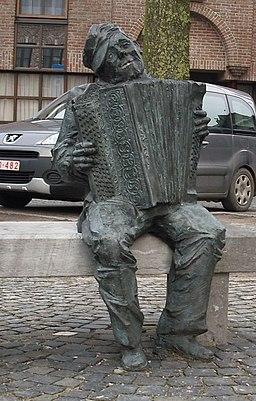 https://upload.wikimedia.org/wikipedia/commons/thumb/a/a4/Lionel_Bauwens_-_Eeklo_-_Belgi%C3%AB.jpg/256px-Lionel_Bauwens_-_Eeklo_-_Belgi%C3%AB.jpg