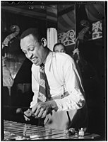Lionel Hampton, Aquarium, New York, ca. June 1946 (William P. Gottlieb 03841).jpg