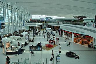 Budapest Ferenc Liszt International Airport - Waiting area Sky Court