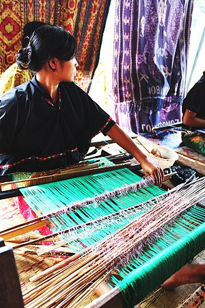 Lombok Traditional Hand Weaving