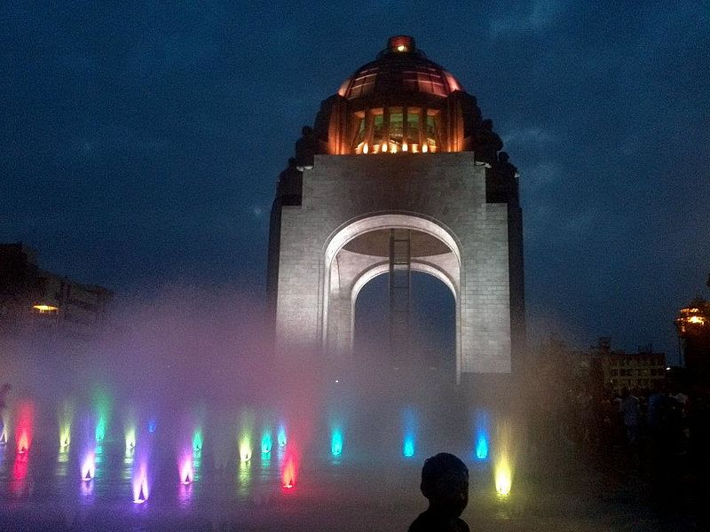 File:Luces de la Revolución Mexicana.jpg