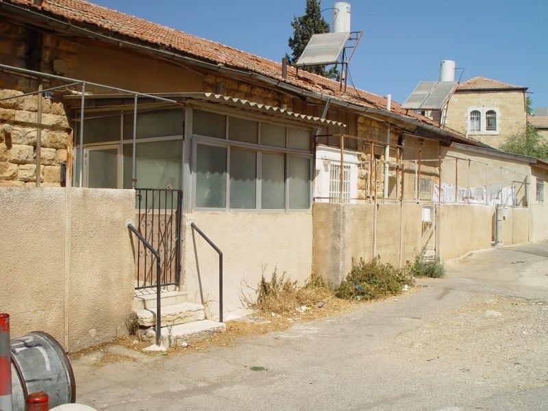 M houses 3