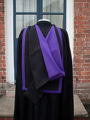 Academic dress of the University of Manchester - Detail of the hood worn by holders of postgraduate master's degrees other than the MPhil