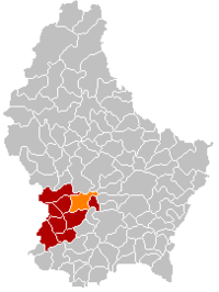 Map of Luxembourg with Kehlen highlighted in orange, the district in dark grey, and the canton in dark red
