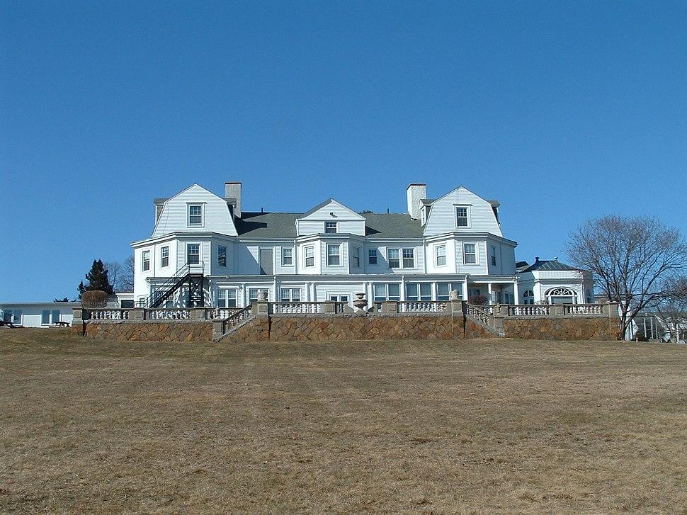 Marian-Court-College-seaside