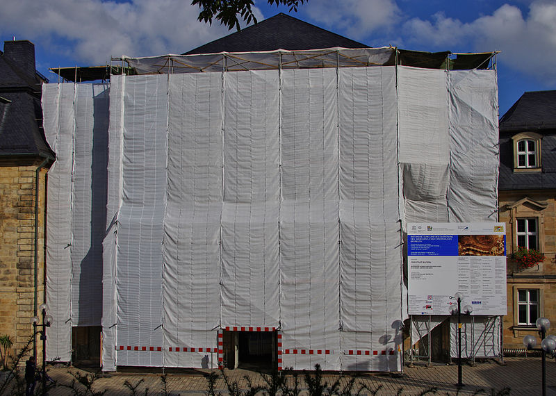 File:Markgräfliches Opernhaus – Renovierung Fassade.jpg
