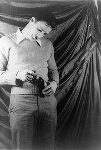 Marlon Brando sur scène dans Un tramway nommé Désir de Tennessee Williams (1948)