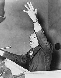 Martin Luther King à un rassemblement pour la liberté, 1962.