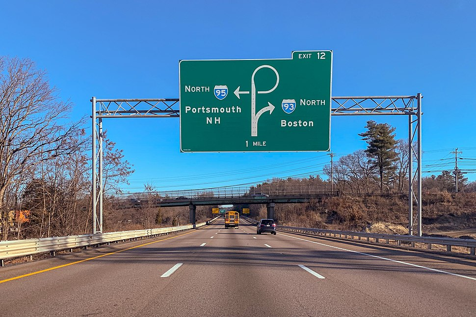 Massachusetts I-93 branches off from I-95