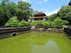 Mausoleum of Emperor Minh Mạng 15.jpg