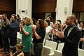 Mayer recibe la bandera gitana en el Día de las gitanas y gitanos de Madrid 02.jpg