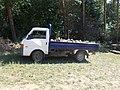 Mazda E2200, firewood, 2020 Piliscsaba.jpg