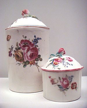 Mennecy-Villeroy porcelain - Image: Mennecy soft porcelain circa 1750