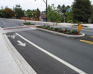 Traffic calming - Image: Midblock median island