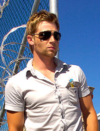 Mike Vogel.